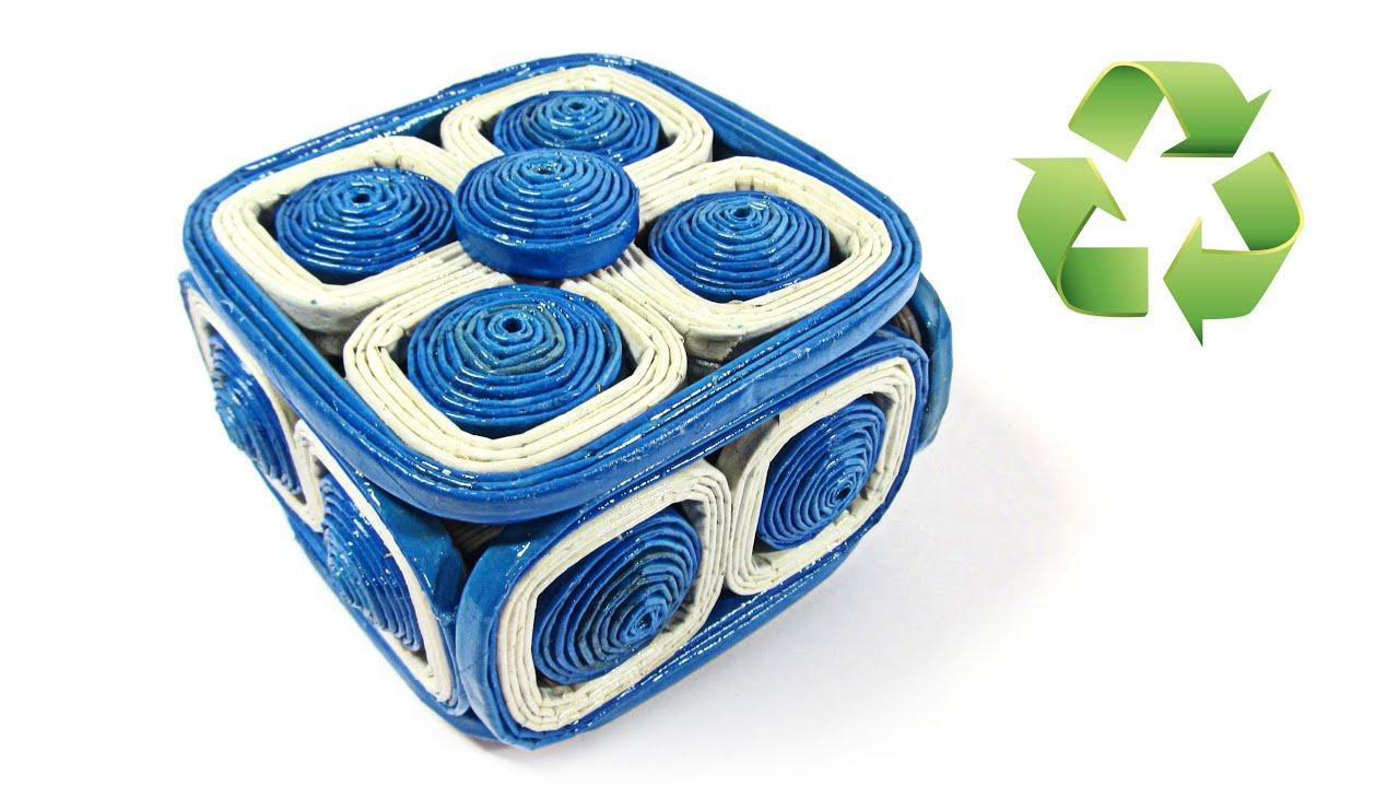 Como hacer una caja con peri dico newspaper box youtube - Cesta de papel de periodico ...