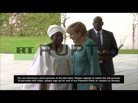 Germany: Merkel welcomes AU leader Dlamini-Zuma with military honours