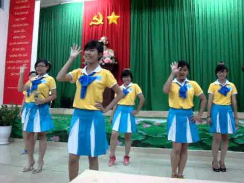 Bay lên nhé nụ cười.ver 3 -Văn Nghệ Xung Kích SGU- Mùa hè xanh 2012