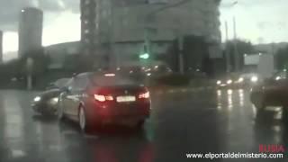 Auto Fantasma En Rusia 2014 (Video Impactante)