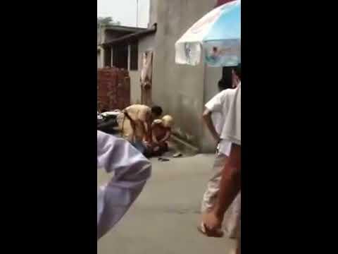 Clip cảnh sát giao thông đánh nhau với thanh niên cứng - Vui Nhộn VN.mp4