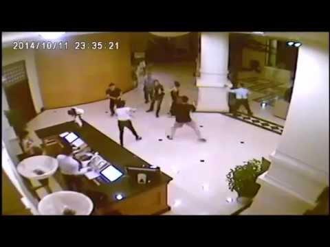Chém nhau trong khách sạn