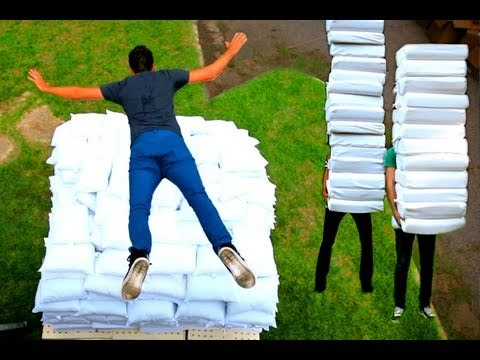 2 Guys 600 Pillows (Backwards) - Rhett & Link