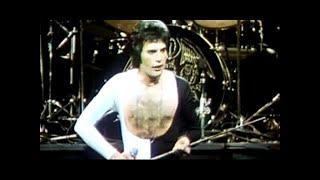 De officiele clip van dit prachtige Queen nummer uit 1977.