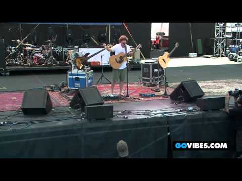 "Keller Williams Performs ""Can't Come Down"" into ""Brown Eyed Women"" at Gathering of the Vibes 2012"