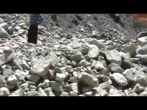 LEH LADAKH, INDIA, MASSIVE LANDSLIDE ON NH1 BETWEEN KARGIL AND DRAS, VIDEO BY PRASHANT OAK, NAGPUR
