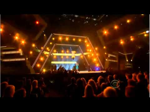 Kelly Clarkson - Don't Rush (ACM's, April 2013)
