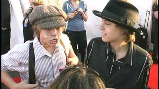 Dylan And Cole Sprouse On Kissing!