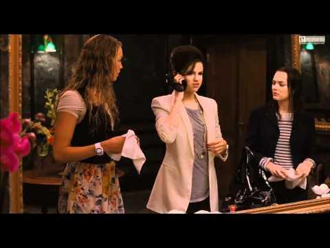 Selena Gomez  [HD] Monte Carlo, Princesa por Accidente Escena película: ¿Quién es esa chiflada?