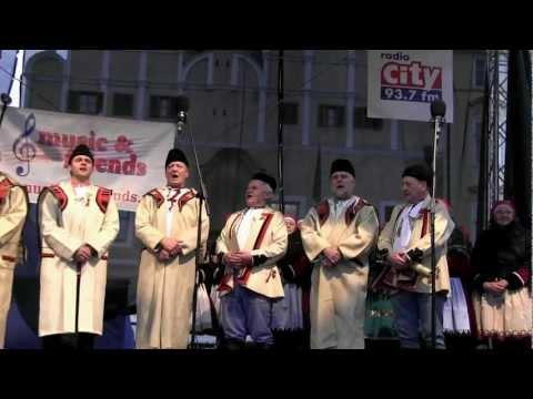 PRAHA - koledování TETEK z Kyjova a Horňáckého mužského sboru na Staroměstském náměstí 3