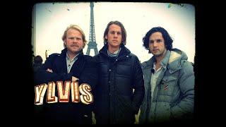 I Kveld Med Ylvis Sparker Folk I PARIS Kicking Random