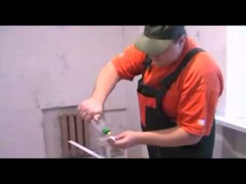 Как клеить потолочные плинтуса