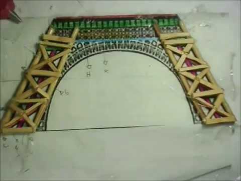 Torre Eiffel con palitos de madera (: