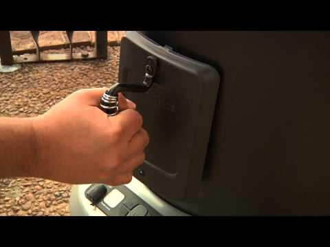 Using The Smoker Box - Char-Broil TRU-Infrared Big Easy 2-in-1 Electric Smoker & Roaster