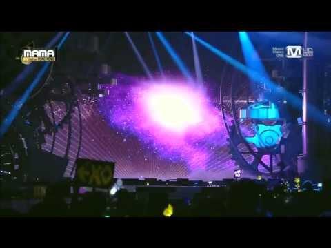 비(Rain) - 태양을 피하는 방법(How To Avoid The Sun) + It's Raining + Hip Song at 2013 MAMA