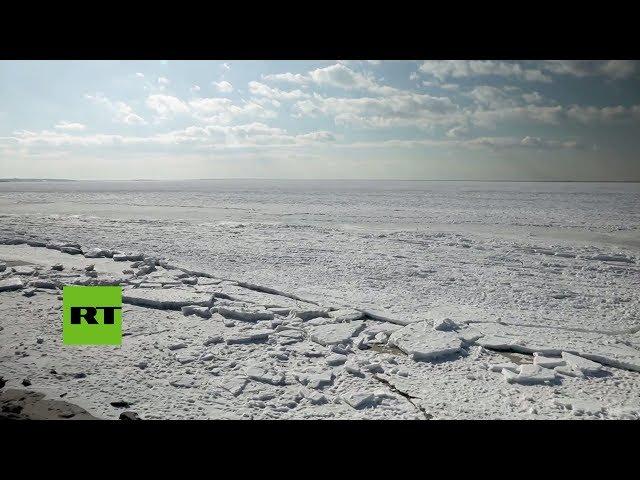 Impresionantes imágenes del océano congelado en EE.UU