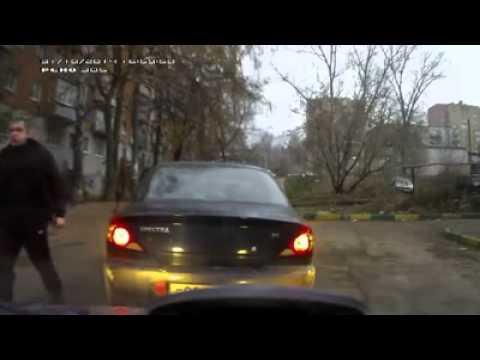 Драка на дороге или у кого Лопата тот и главный - drakoff.ru