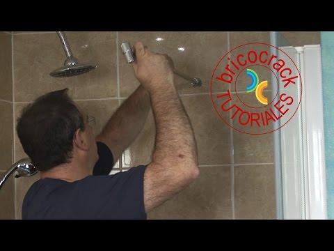 Montar una mampara frontal para la ducha (BricocrackTV)