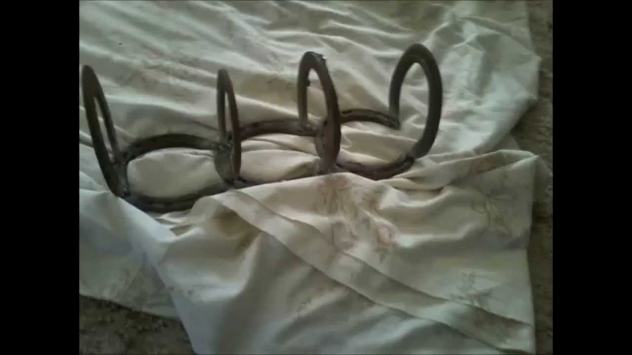 Welding stuff ive made out of horseshoes youtube for Cool things made out of horseshoes