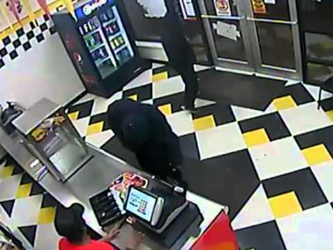 Robbery 2895 Grays Ferry Ave DC# 13-17-003331