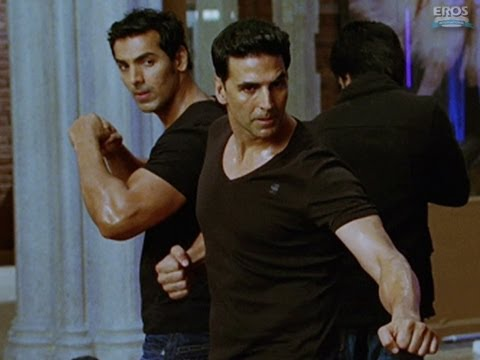 John & Akshay's fight scene - Housefull 2