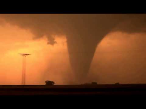 RAW: Tornadoes Hit Plains, Midwest, Kansas, Oklahoma and Iowa