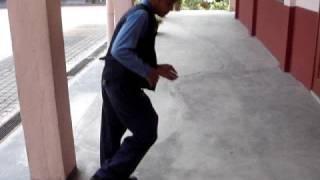 Budak 10 tahun shuffle