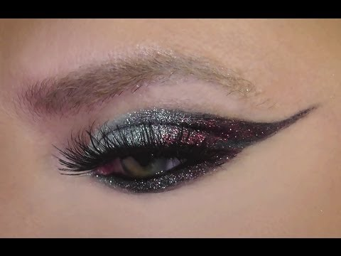DRAMATIC MIRRORBALL GLITTER EYELINER TUTORIAL!