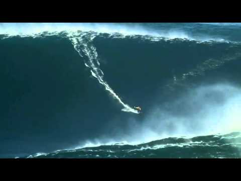 World record ! Surfing a 90 ft wave in Nazare, Portugal (HD)