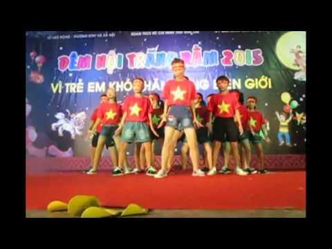 Tiết mục nhảy Flashmob trong trang phục áo cờ đỏ sao vàng - Nối vòng tay lớn