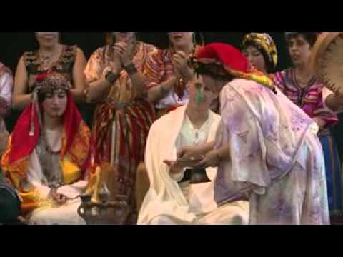 Mariage kabyle au grand salon du mariage oriental youtube for Salon kabyle