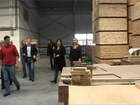 Смотреть видео Журналист из Австрии посещает ООО Dendrolight Latvija