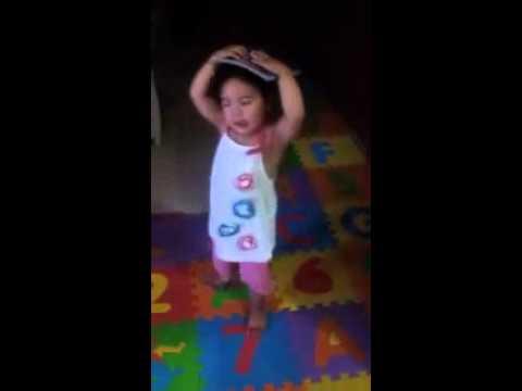 Bé Mimi Học Hỏi Mẹ...Rồi Nhảy Múa (Ali Baba)