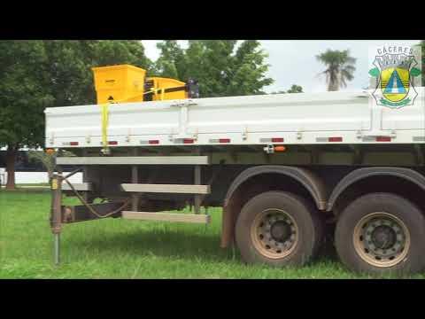 Prefeitura  adquire caminhão munk