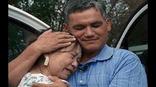 Mẹ gốc Việt xúc động đoàn tụ con lai với lính Mỹ sau 48 năm
