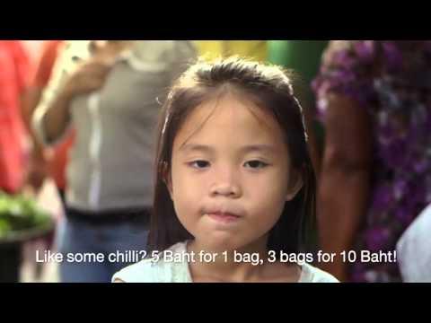 Câu chuyện của cô bé bán kem ở Thái Lan làm rung động hàng triệu con tim trên thế giới