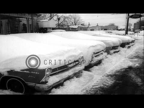Early arrival of heavy winter snowfall in northeast United States. HD Stock Footage