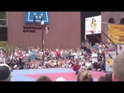 gus macker dunk 09