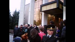 Partidele de stînga din Parlament au ieșit în stradă