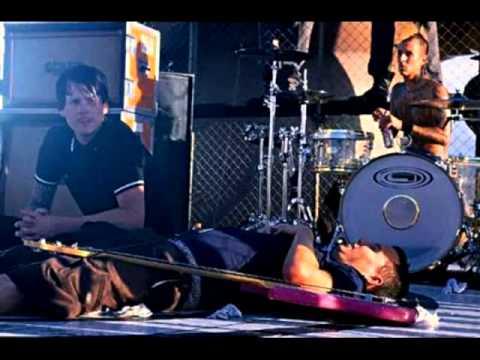 blink-182 I Miss You (BBC RADIO) live 2004