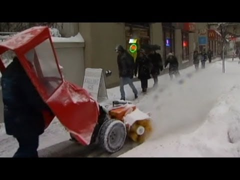 US experiences first major winter storm