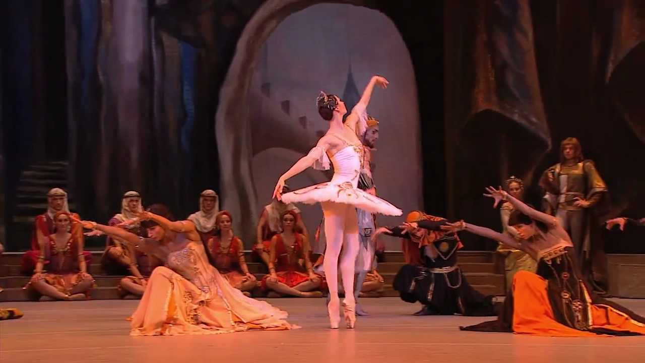 39 raymonda 39 ballet bolshoi en hd youtube for Cartelera de cine royal films cali jardin plaza