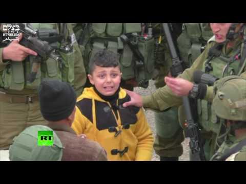 فيديو ..  جنود الاحتلال يجرّون ...