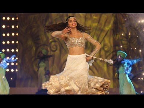 Screen Awards 2014 | Deepika Padukone's Performance