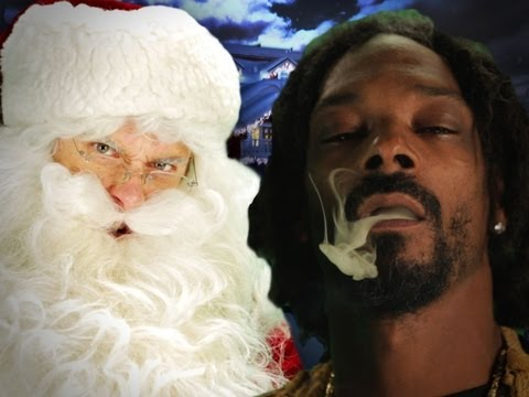 Moses vs Santa Claus.  Epic Rap Battles of History Season 2 -0kRAKXFrYQ4