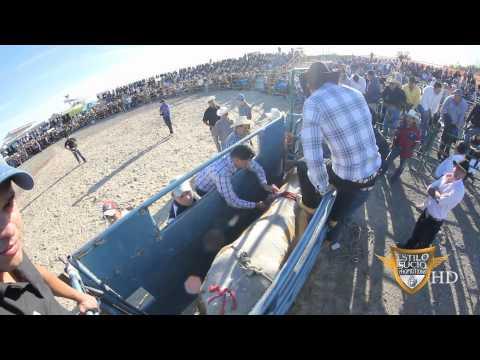 Reyes del Jaripeo - Super Jaripeo | Aaron Ortiz vs El Pavo Salvaje - Toyota Park 09/30/2012 HD