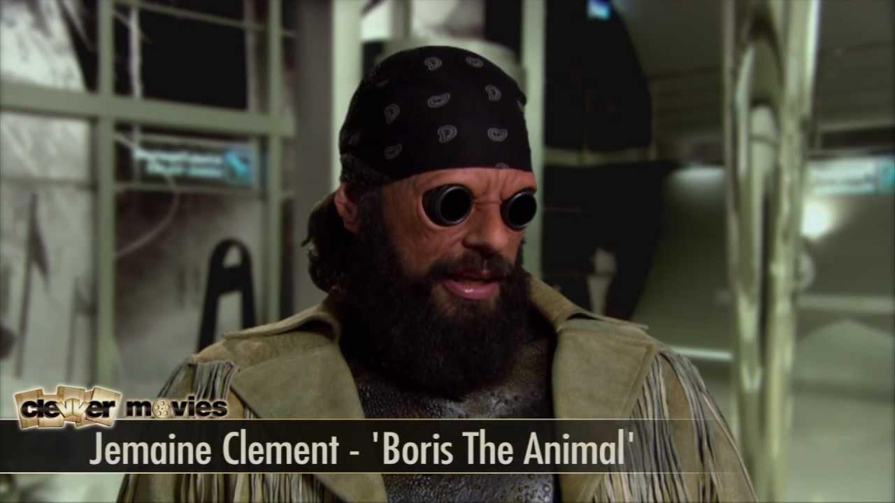 Jemaine Clement 'Men In Black 3' Interview - YouTube