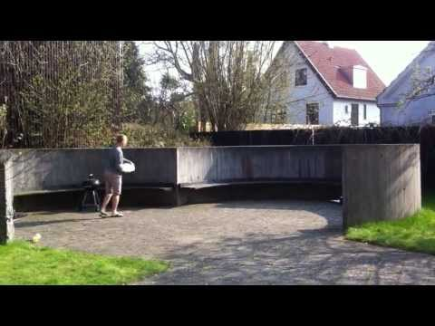 Double wall ride frisbee trick shot