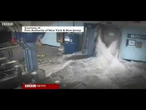 Sandy leaves 17 dead, 7 million without power in U.S.