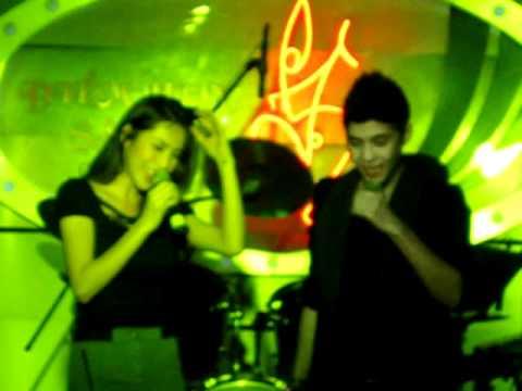 Quay Về Đi -  Thủy Tiên feat Noo Phước Thịnh (Live in Điểm Hẹn) Sun Mar 13rd 2011